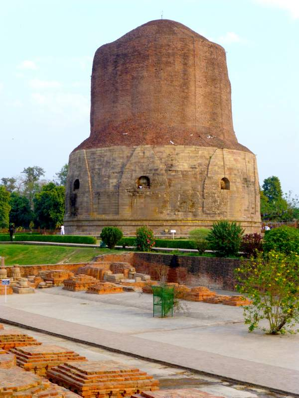 Dhammekh Stupa in Sarnath
