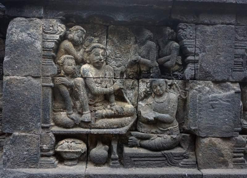 The Bodhisattva learns Dharma