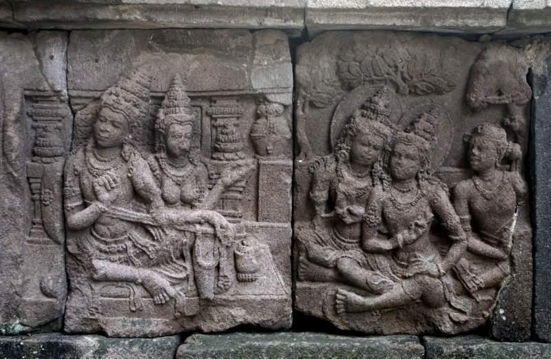 Ugrasena, Padmavatī, Vasudeva and Devakī