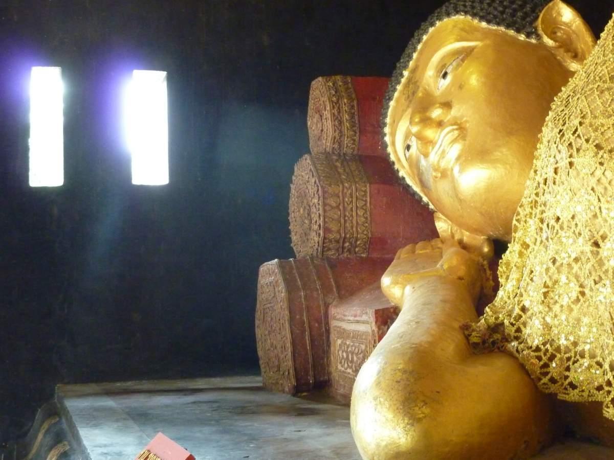 Parinibbana Statue