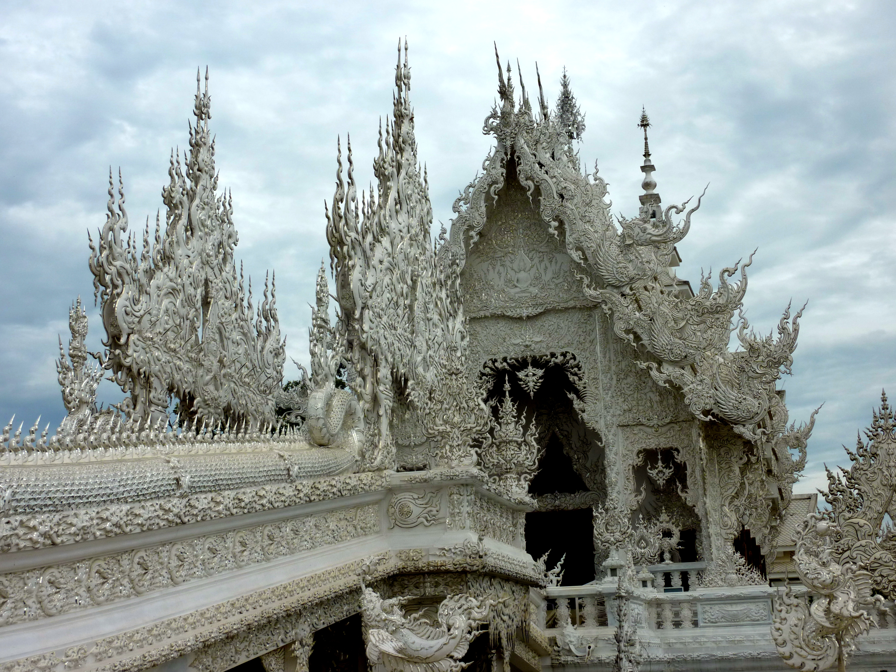 wat rong khun how to get there